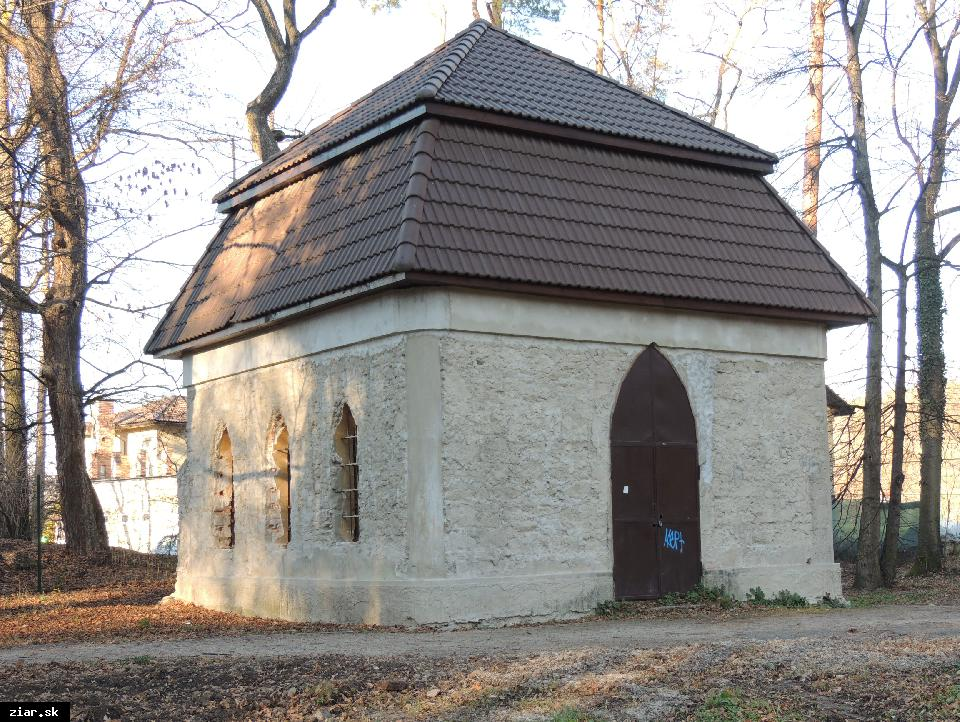 obr: Mesto získalo dotáciu na obnovu barokového altánku v parku