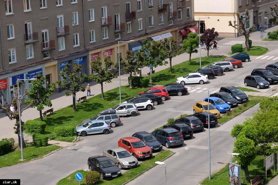 obr: Koncom mája sa začne s asfaltovaním Ulice Š. Moysesa. Na niekoľko dní sa ulica úplne uzavrie