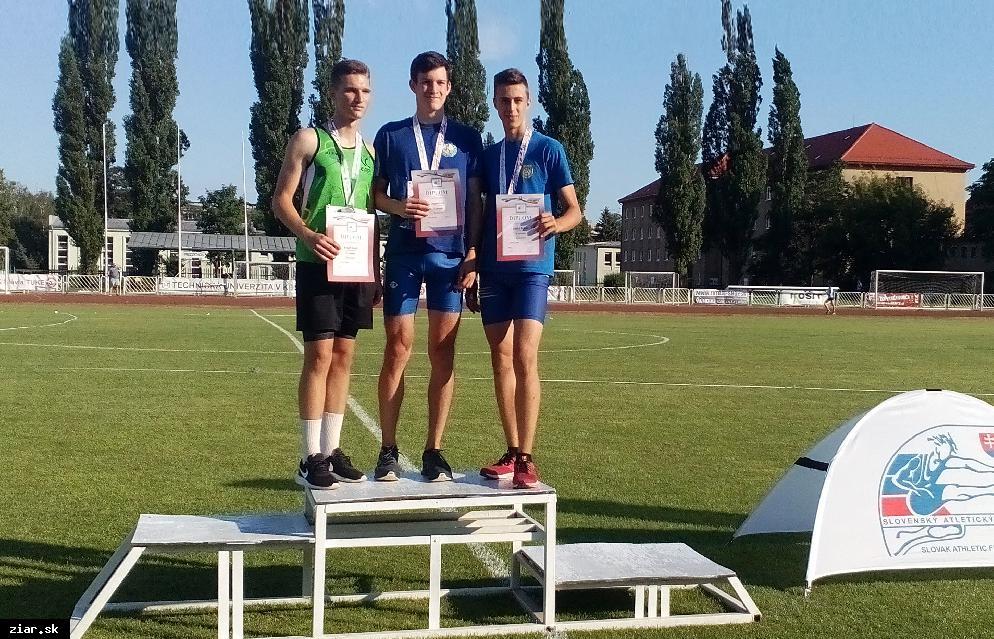obr: Atletika: Adam Hriň dvojnásobným majstrom Slovenska