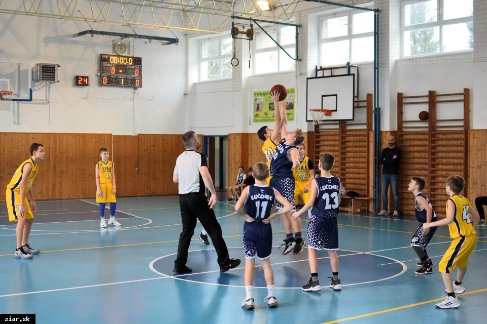 obr: Žiarski basketbalisti aj tento rok zabojujú o majstrovský titul