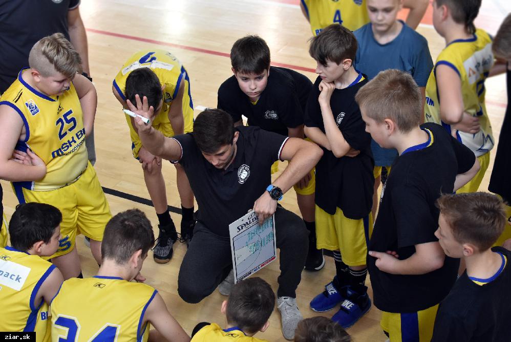 obr: Basketbal: Posledné zápasy v základnej skupine proti Žiline