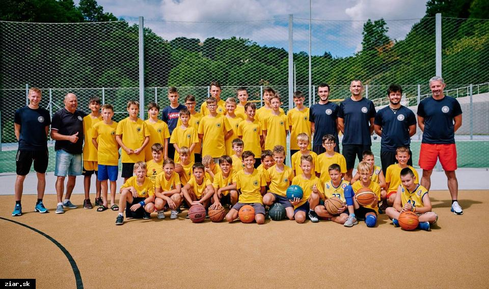 obr: Basketbalisti na sústredení v Banskej Štiavnici