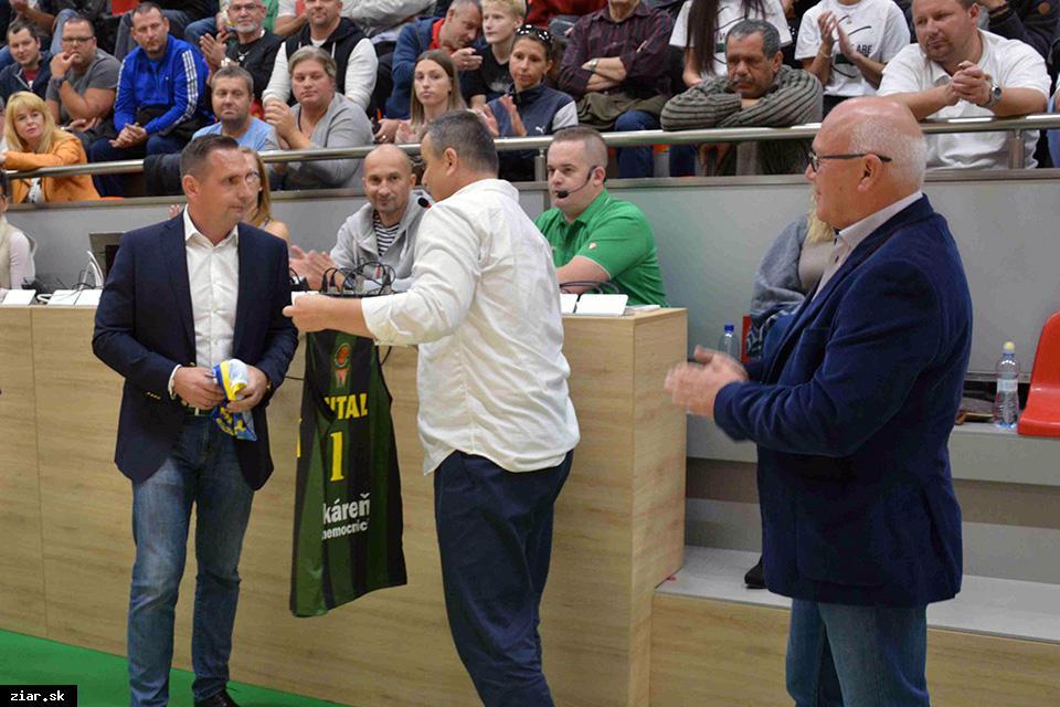 obr: Basketbalový klub podpísal novú zmluvu s Handlovou