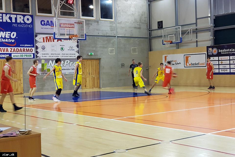 Basketbal: Proti súperom z východu boli Žiarčania lepším tímom
