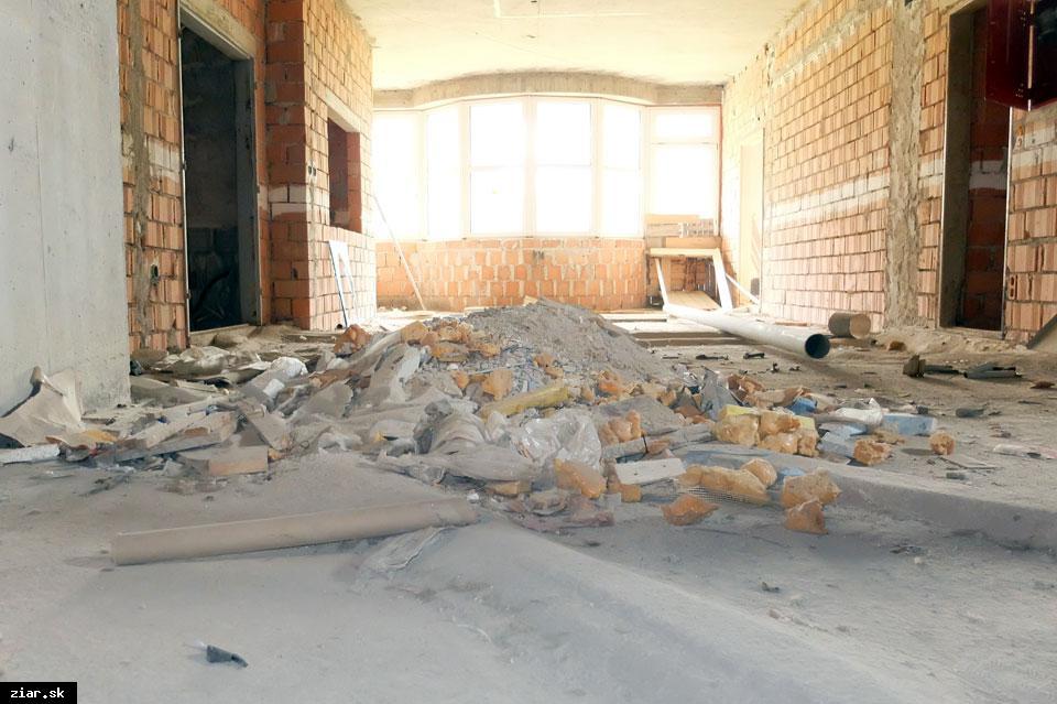 obr: Vedenie BBSK zvolalo stretnutie ohľadom pavilónu B žiarskej nemocnice