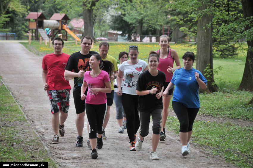 obr: Mladí bežci to už odštartovali