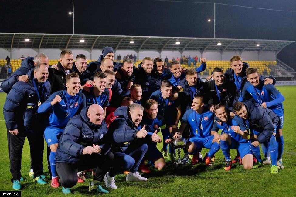 obr: Slovenská futbalová reprezentácia obhájila Challenge Trophy na žiarskom štadióne