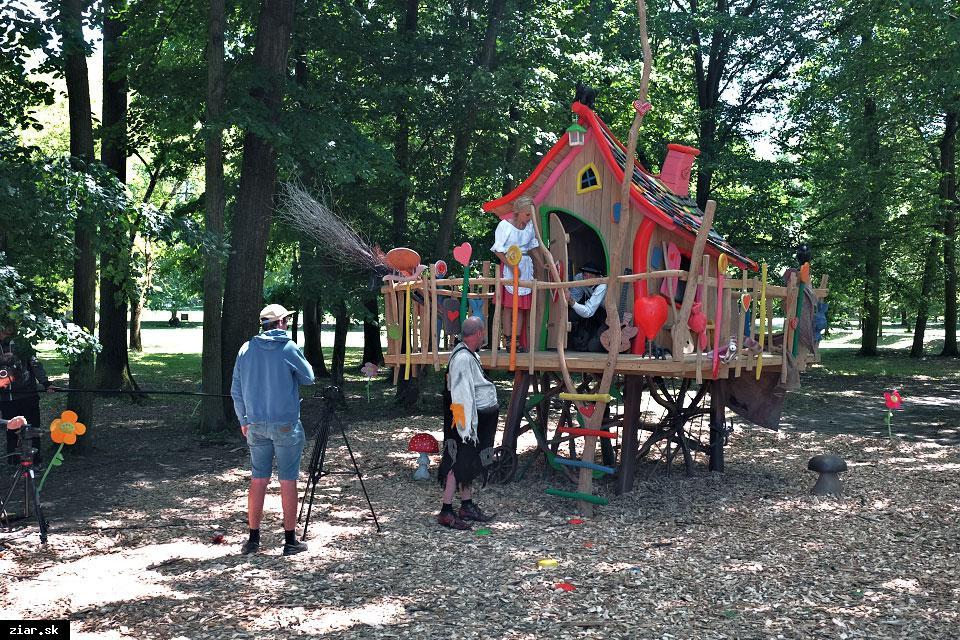 obr: Novinka pre deti v žiarskom parku – perníková chalúpka