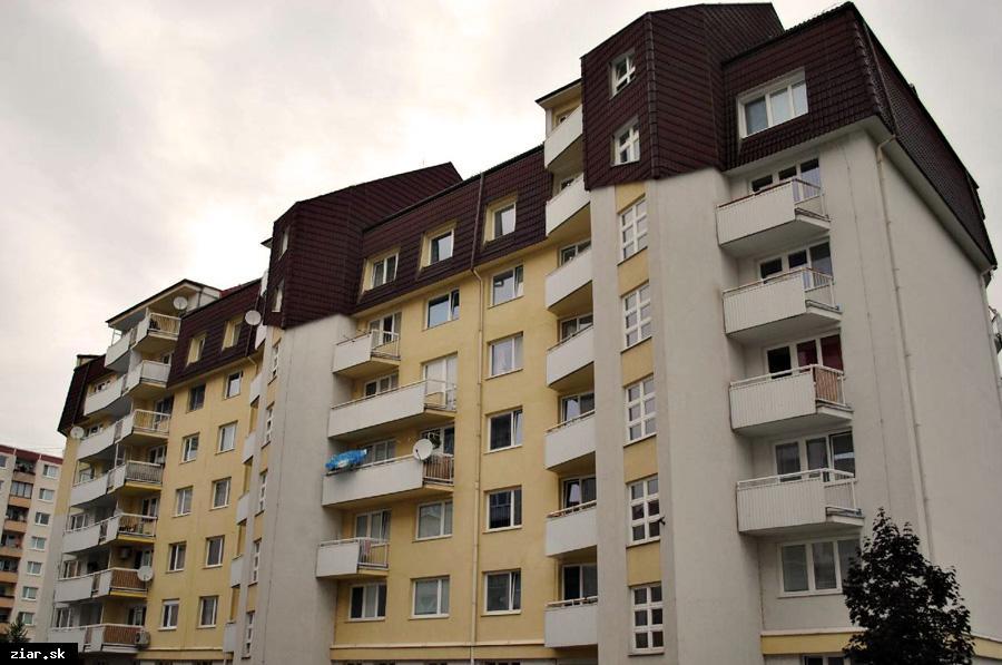 obr: Bytovým spoločenstvám poskytne mesto dotácie na projekty vo výške 20-tisíc eur