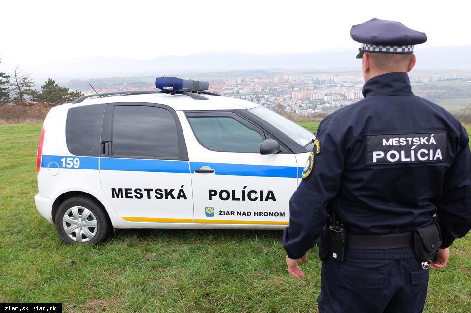 Mestskí policajti dostanú moderný elektromobil