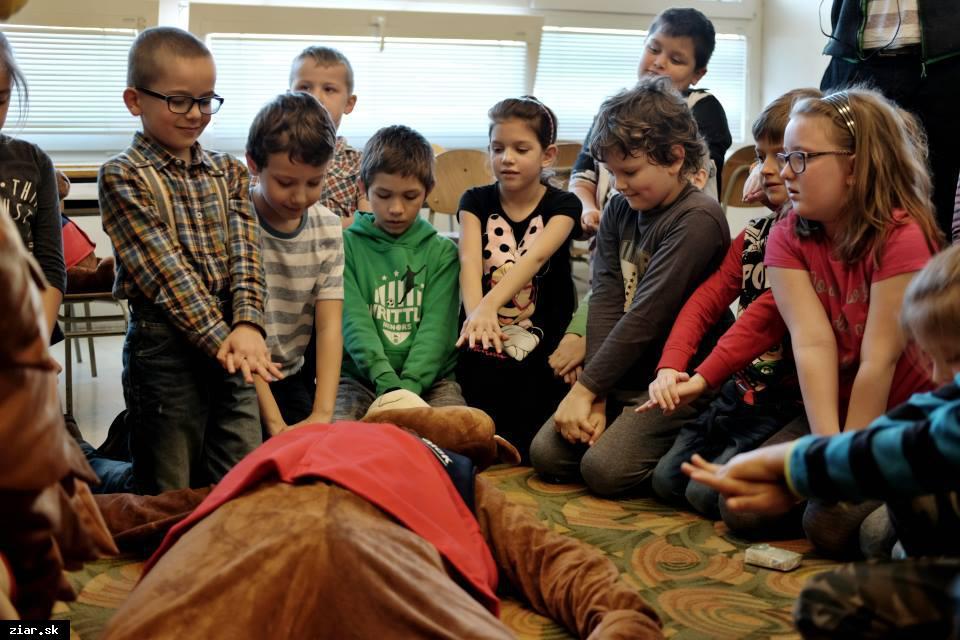 obr: Zážitkový kurz prvej pomoci pre žiakov základných škôl