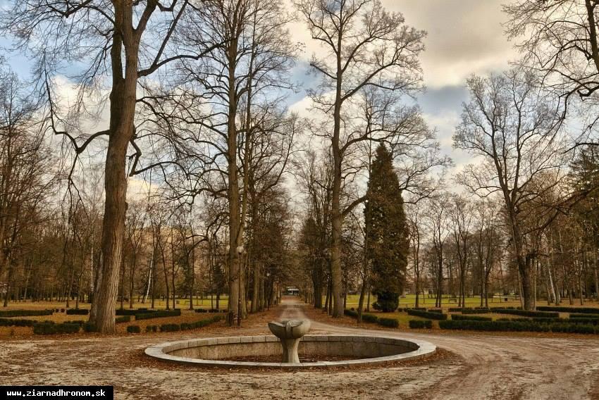 obr: Fontánu v parku spustia od apríla