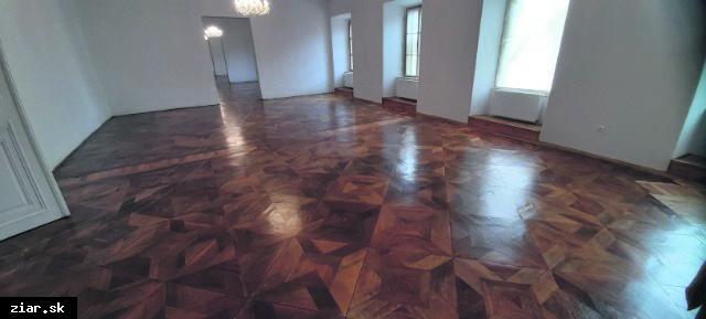 obr: Galéria Jula Považana sa sťahuje do zrenovovaných priestorov kaštieľa
