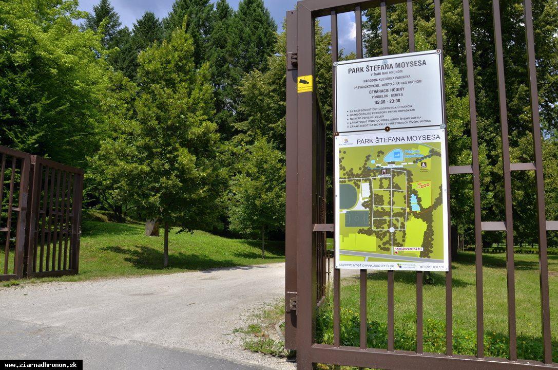 obr: V parku pribudli informačné tabule