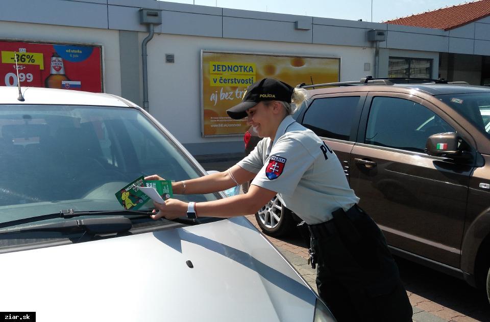 obr: Polícia pokračuje v kampani Nezabudni na mňa v aute