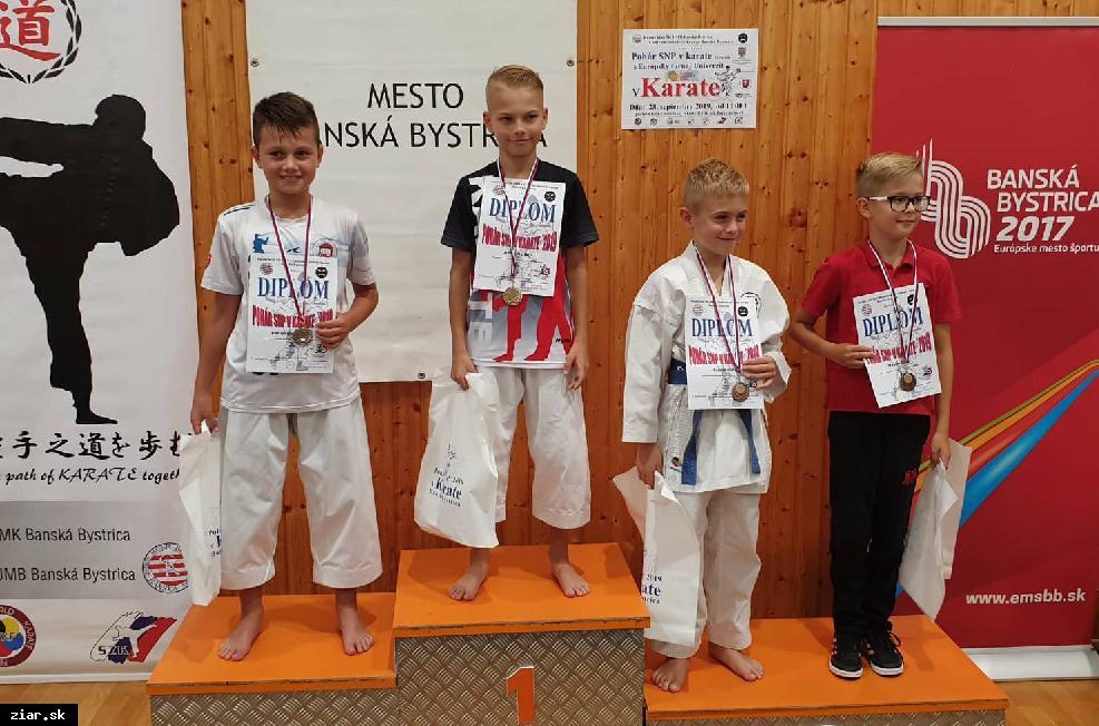 obr: Karate: Úspešný začiatok sezóny