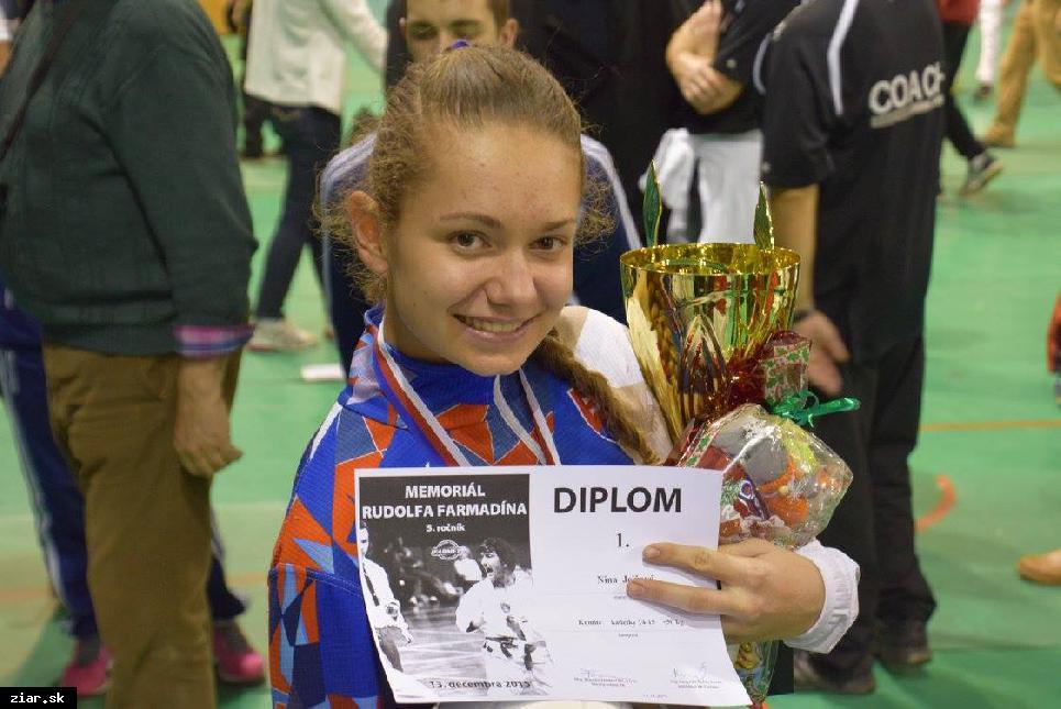 obr: Karate: Najúspešnejšou pretekárkou medzinárodného turnaja sa stala Nina Jelžová