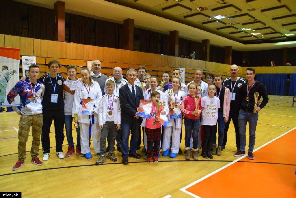 obr: Najúspešnejšie Majstrovstvá republiky  v celej 43 ročnej histórii žiarskeho karate
