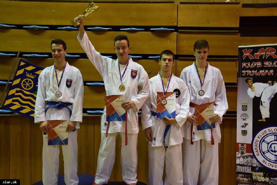 obr: Majstrovstvá Slovenska v karate mali pre Žiarčanov príchuť zlata