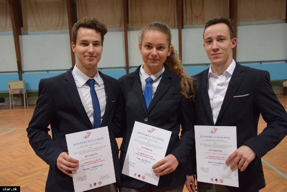 obr: Karate: V súťaži klubov sa Žiarčania umiestnili už štvrtý rok po sebe na 1. mieste