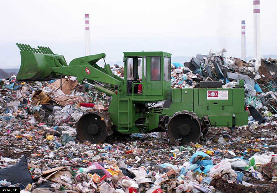 obr: Za odvoz odpadu si po novom priplatíme