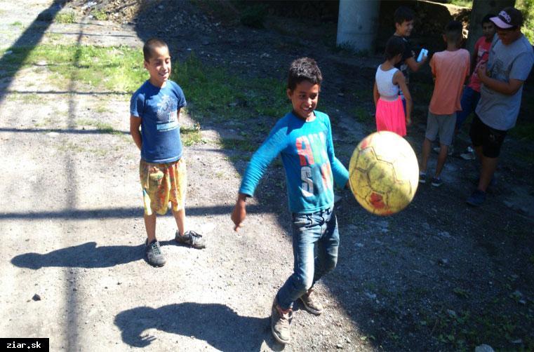 obr: Športový deň v osade Pod Kortinou