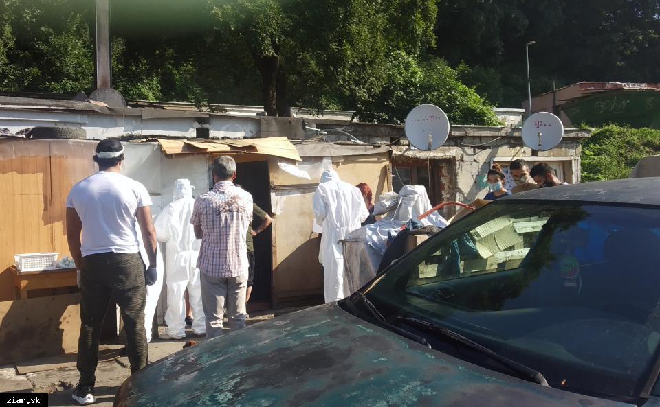 obr: Dopoludnia testovali rizikových obyvateľov osady Pod Kortínou