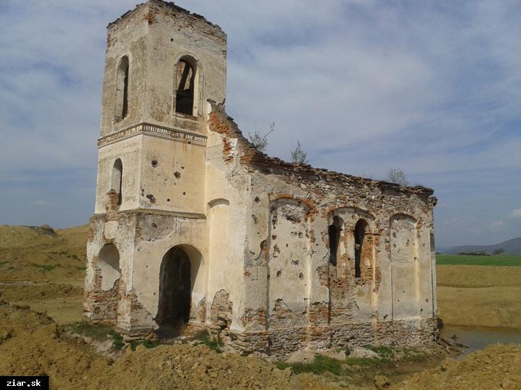 obr: Po stopách histórie a pamiatkach mesta: Kostol v Kupči