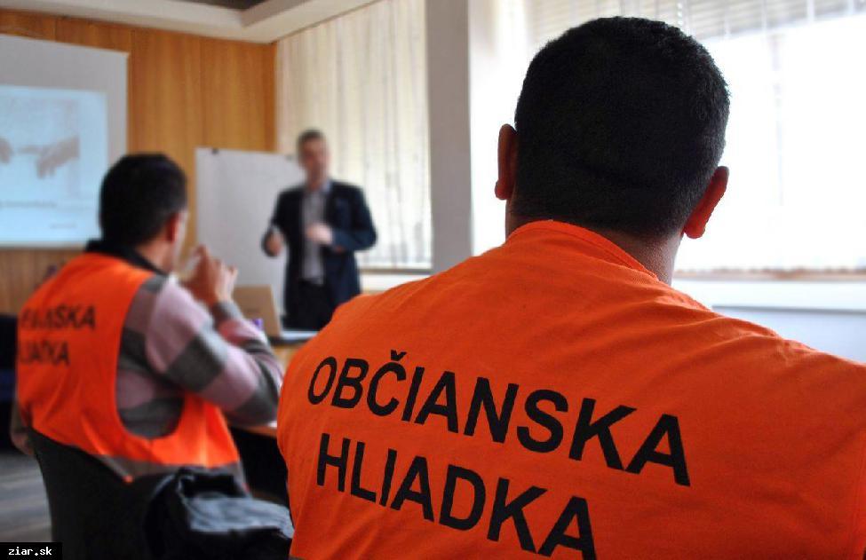 obr: Na pokračovanie projektu poriadkovej služby získalo mesto príspevok z eurofondov