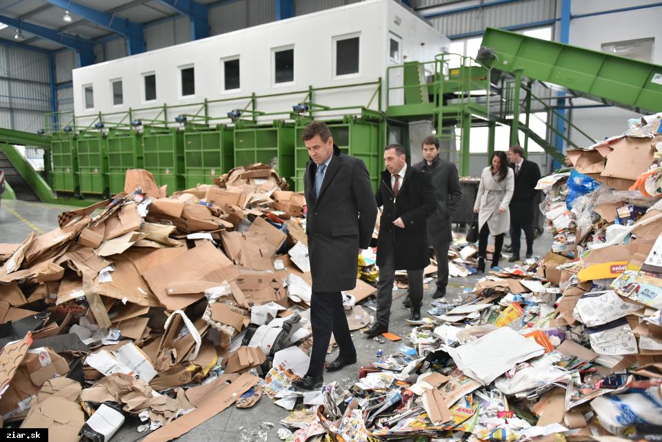 obr: Žiar navštívil minister životného prostredia László Sólymos