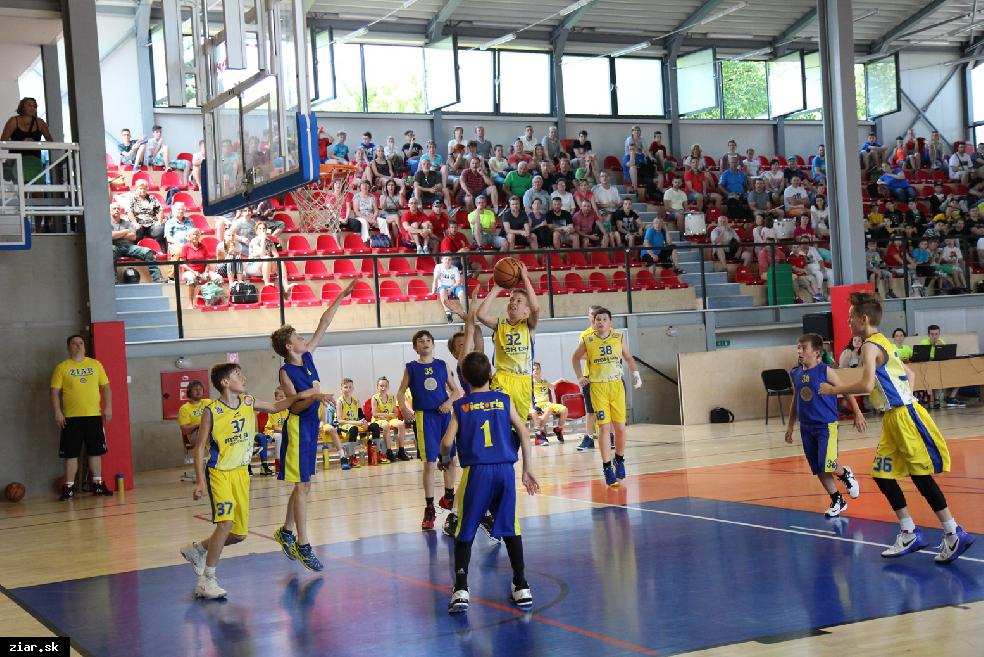 obr: Žiarski mladší minižiaci U11 MAJSTRAMI SR v basketbale