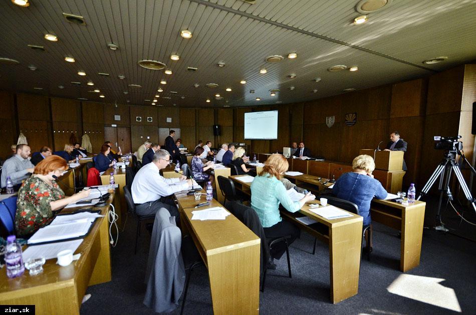 obr: Zo septembrového zasadnutia mestského zastupiteľstva