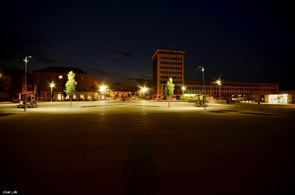 obr: Začalo sa s modernizáciou verejného osvetlenia, mesto ušetrí ročne 10 000 eur