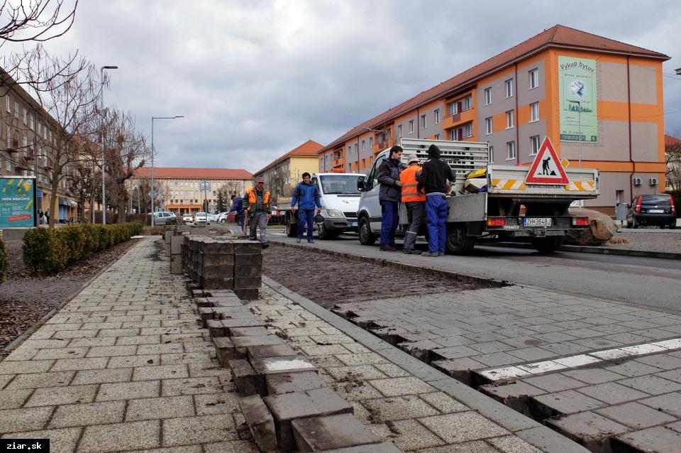 obr: Zaparkovať v centre mesta bude jednoduchšie. Pribudnú nové parkovacie miesta