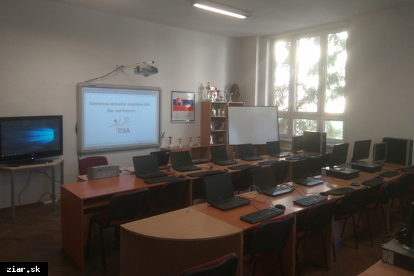 obr: Zmena zriaďovateľa Súkromnej obchodnej akadémie v Žiari nad Hronom