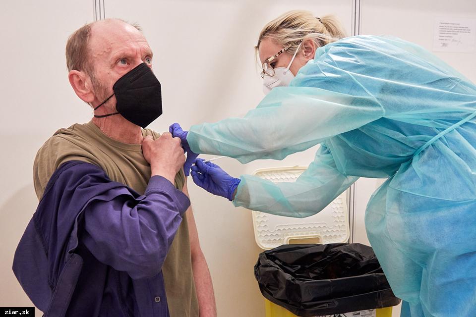 obr: Očkovacie centrum už otvoril kraj aj v Žiari nad Hronom, je v poradí siedme