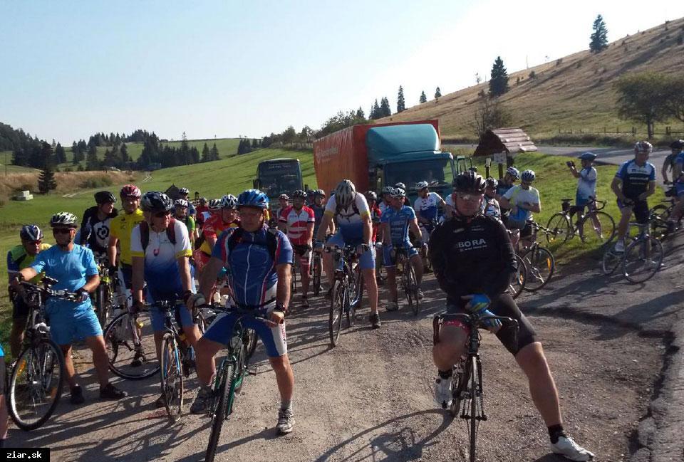 obr: 18. ročník cykloturistického podujatia Od prameňa Hrona