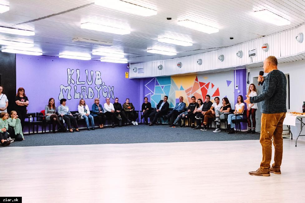 obr: Klub mladých v Mestskom kultúrnom centre