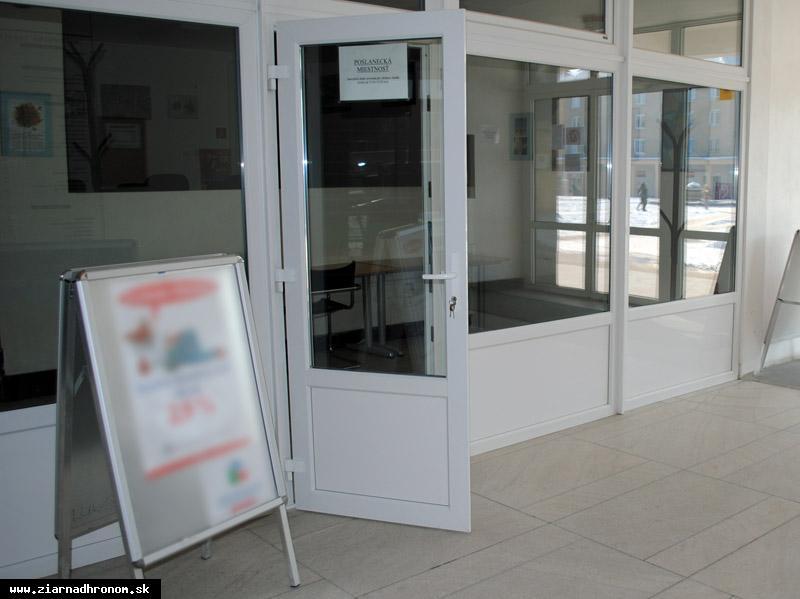 obr: Poslanecká kancelária bude v stredu zatvorená
