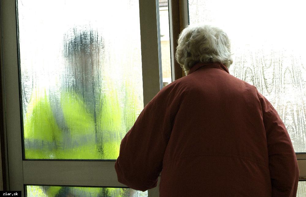obr: Zneužívanie dôvery seniorov – podvodníci opäť úradovali