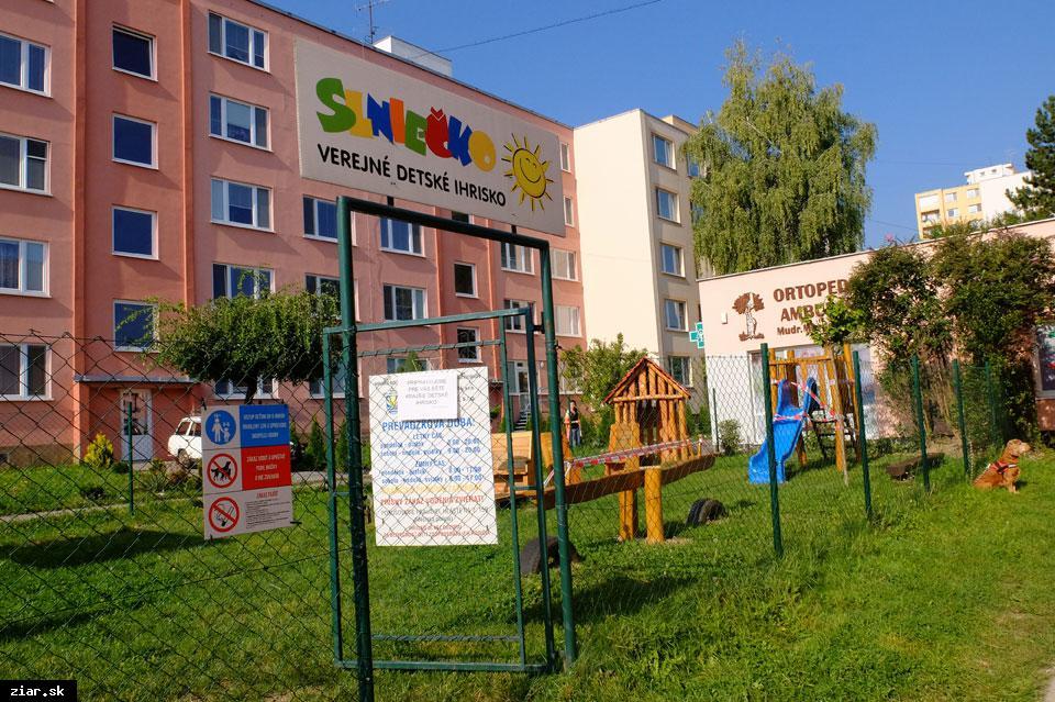 obr: Nové herné prvky na ihrisku Slniečko