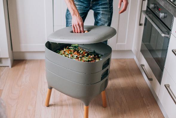 Kompostovať sa dá aj v paneláku