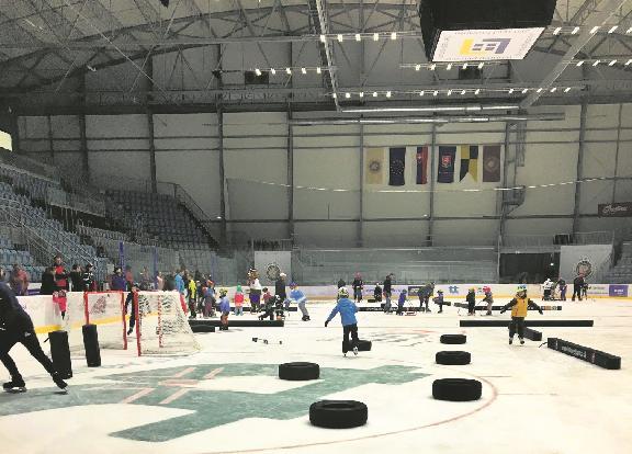 Certifikovaní ambasádori naučia žiarske deti korčuľovať. Kurzy sú zadarmo