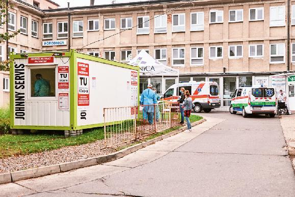Žiarskym zdravotníkom pomáhajú aj príslušníci ozbrojených síl