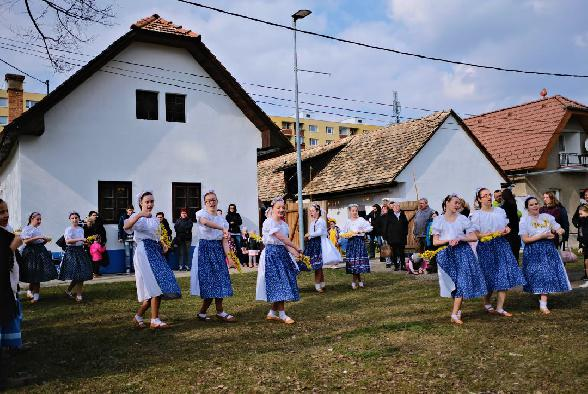 svatokrizska_velkonocna_oblievacka_01.jpg