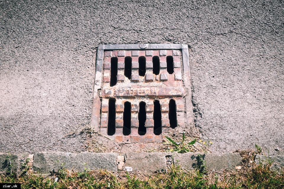 obr: Slovenská správa ciest opraví a vyčistí tridsať dažďových vpustí