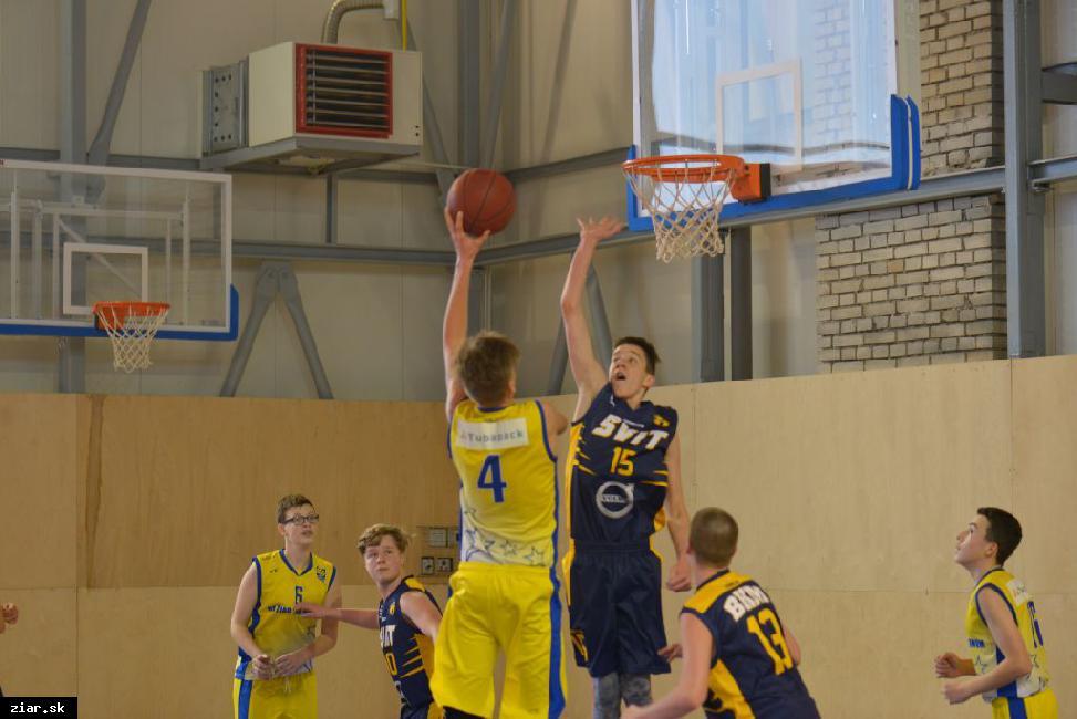 obr: Starší žiaci MŠK BK Žiar nad Hronom odohrali cez víkend dva zápasy celoslovenskej súťaže v ZUS aréne proti tímom zoSpišskej Novej Vsi a Svitu.