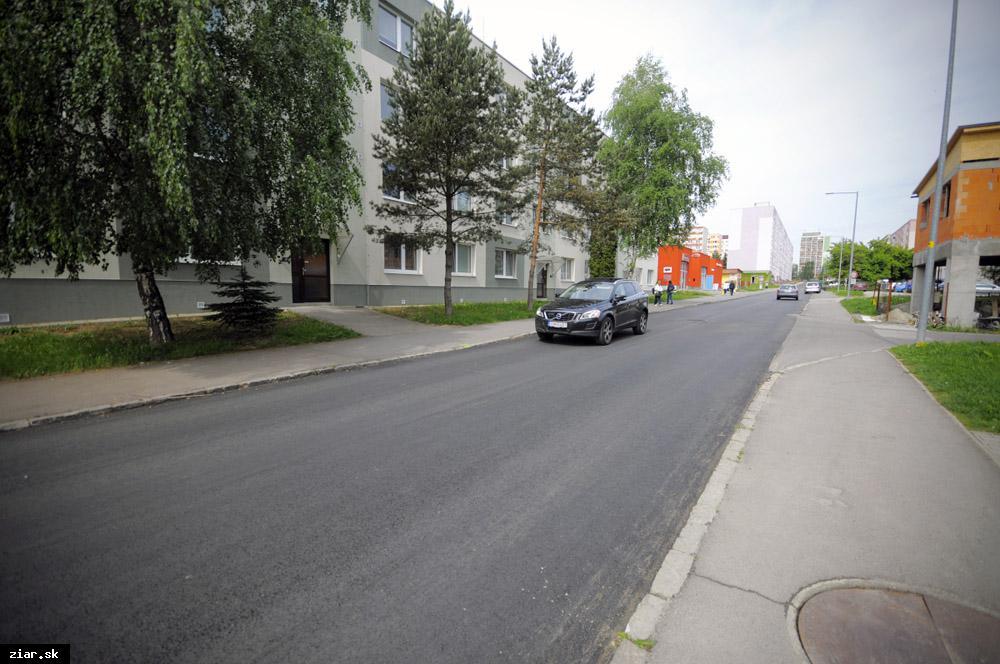 obr: Svitavská ulica dostala nový asfaltový koberec