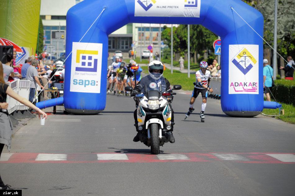 obr: Uzatvorenie ciest počas polmaratónu