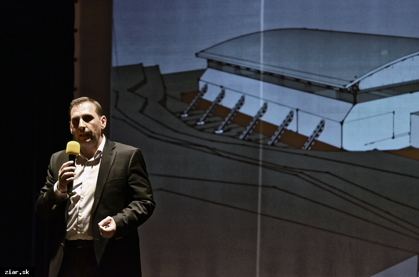 obr: Prioritou mesta je dokončenie zimného štadióna, v prevádzke by bol 11 mesiacov v roku